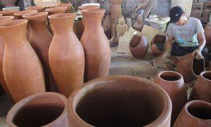 contoh seni patung dari kerajinan keramik