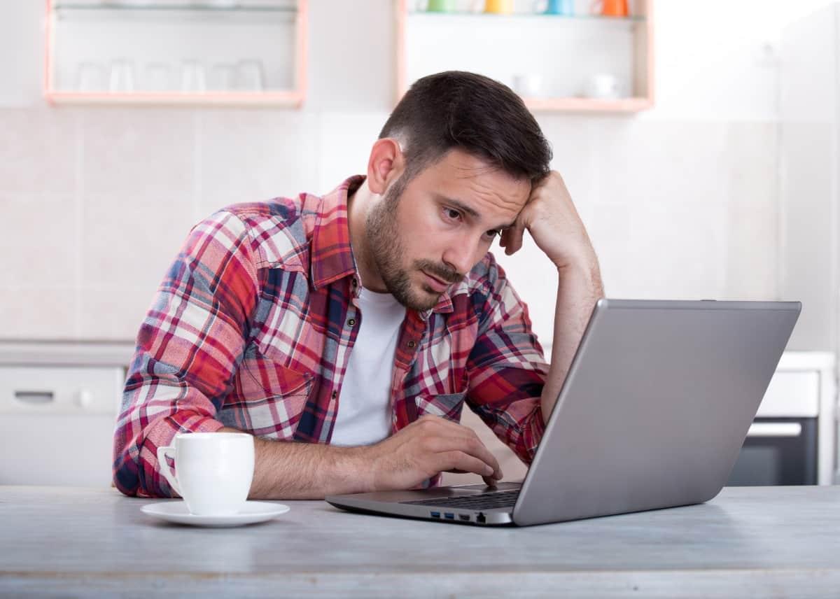 Koneksi-PC-atau-Laptop-Bermasalah